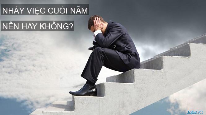 nhay-viec-cuoi-nam-nen-hay-khong-kien-nghiep-group